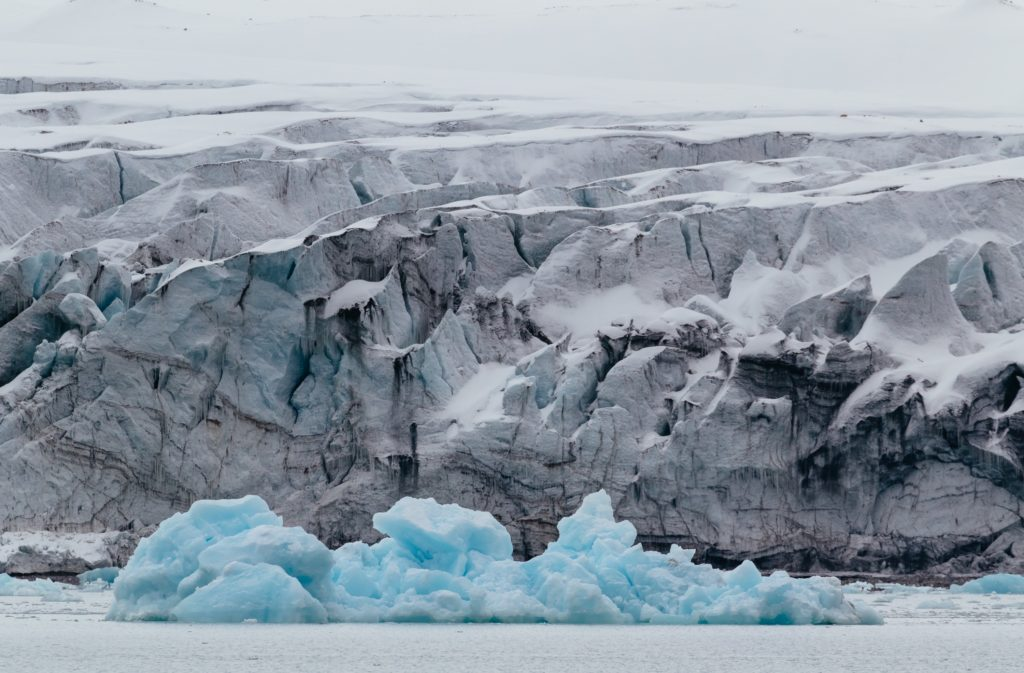 bossfight-free-high-stock-photos-snow-ice-blue-white