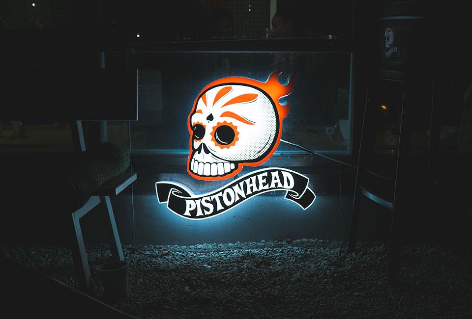Topp_bild_pistonhead